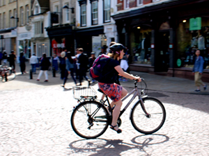 Female cyclist in Cambridge