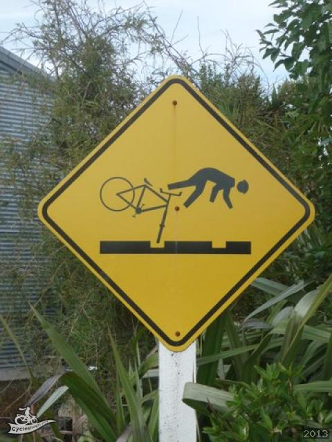 Photo of warning road sign aimed at cyclists