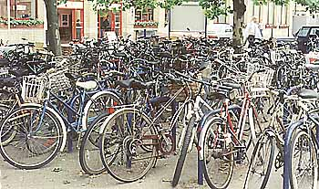 Cycle Parking at Cambridge Train Station (38k)